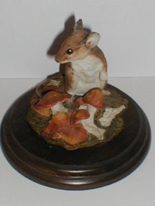 Woodmouse with Toadstools 1986 Figurine by Country Artists